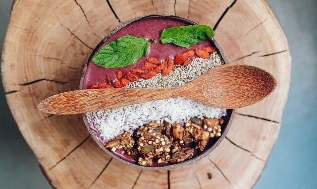 Haferflocken-Müsli mit Superfood aufpeppen: 4 Ideen