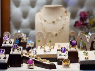 Edelstein Schmuck vom Juwelier